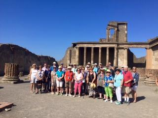 Group of alumni on trip to Italy